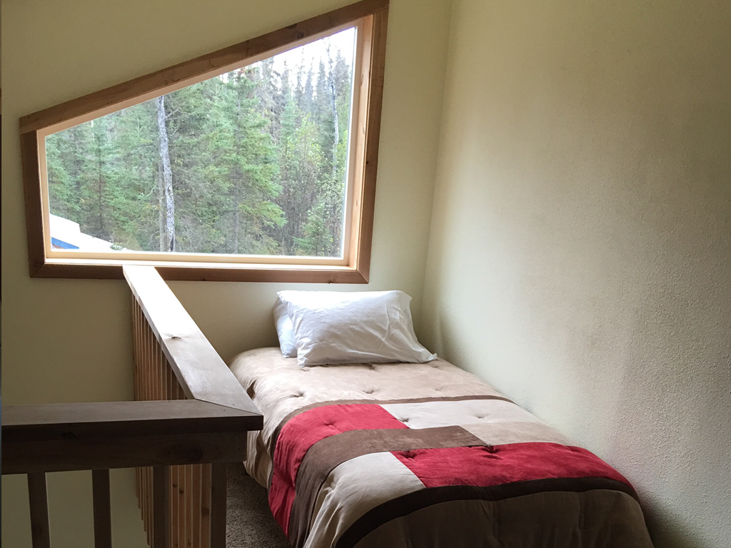 single bedroom in cabin